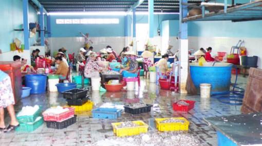 Gắn nuôi trồng với đánh bắt, chế biến thủy sản