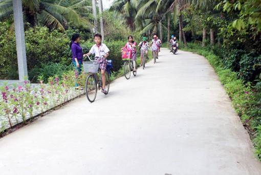 Tân Lợi Thạnh vận động nhân dân đóng góp gần 1 tỷ  đồng xây dựng đường nông thôn