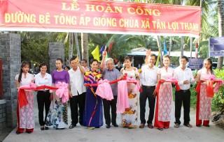 Bí thư Tỉnh ủy Võ Thành Hạo dự Ngày hội Đại đoàn kết toàn dân tộc ấp Giồng Chùa