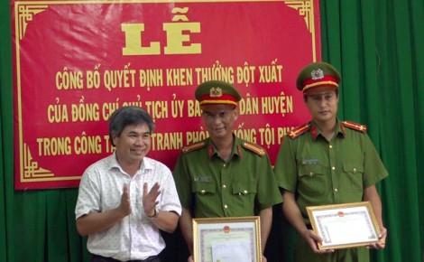 Khen thưởng đột xuất trong công tác đấu tranh phòng chống tội phạm ở huyện Châu Thành