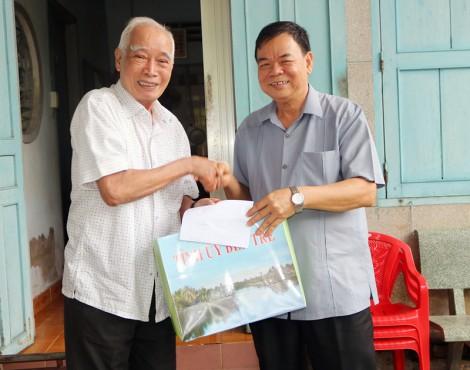 Bí thư Tỉnh ủy thăm cựu giáo chức