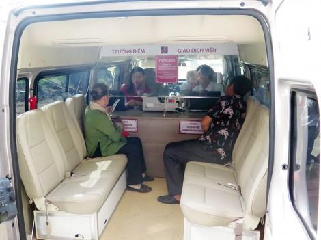 Agribank Bến Tre khai trương điểm giao dịch lưu động bằng ô tô chuyên dùng tại Chợ Lách