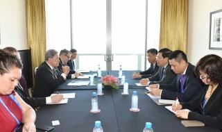 Phó thủ tướng Phạm Bình Minh gặp Phó thủ tướng New Zealand