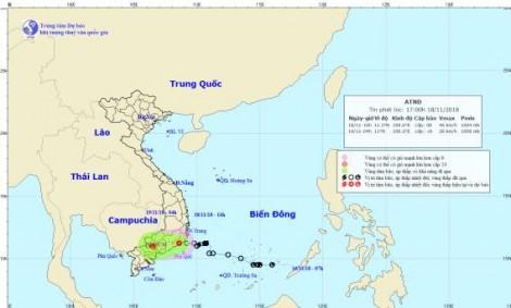 Áp thấp nhiệt đới gần bờ suy yếu từ cơn bão số 8