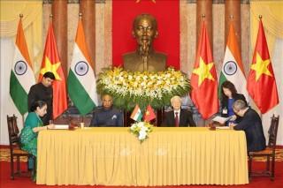 Ký kết 4 văn kiện hợp tác Việt Nam - Ấn Độ