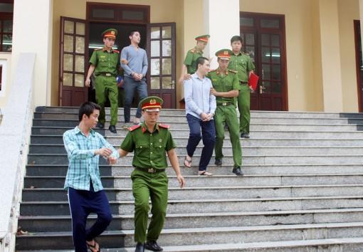 Đánh người gây thương tích, giết người, 3 bị cáo ra tòa lãnh án tù