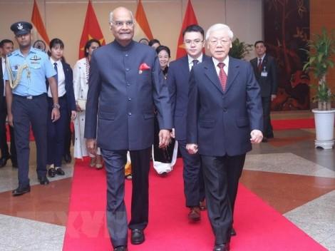 Tổng thống Ấn Độ kết thúc chuyến thăm cấp Nhà nước tới Việt Nam