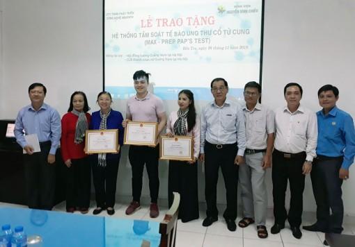 Bệnh viện Nguyễn Đình Chiểu nhận thiết bị y tế từ nhà tài trợ