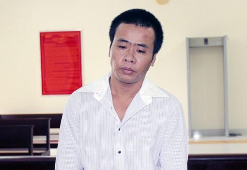 Hiếp dâm con ruột, lãnh án 19 năm tù