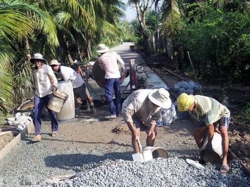 Tập trung xây dựng tiêu chí về giao thông nông thôn