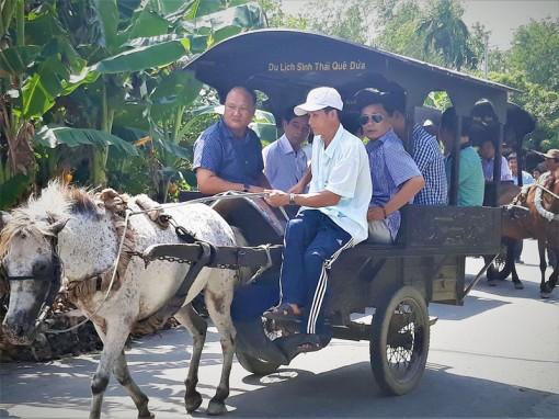 Phát triển du lịch sinh thái gắn cộng đồng dân cư