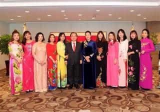Chủ tịch Quốc hội gặp các gia đình đa văn hóa Việt Nam - Hàn Quốc