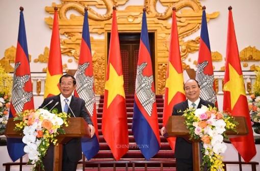 Họp báo chung giữa Thủ tướng Việt Nam và Campuchia: Bác bỏ thông tin xuyên tạc, phá hoại