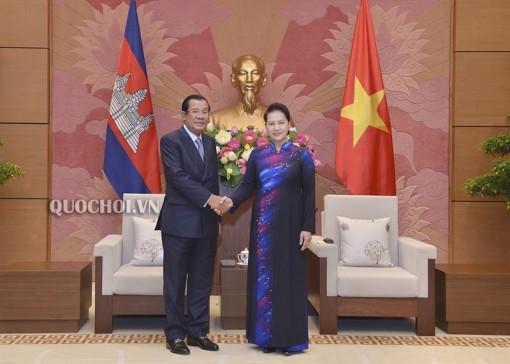 Chủ tịch Quốc hội hội kiến Thủ tướng Campuchia