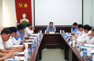 Bí thư Tỉnh ủy Võ Thành Hạo làm việc với ngành dừa