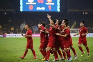 Hòa 2-2 lượt đi, tuyển Việt Nam chờ đấu Malaysia ở Mỹ Đình