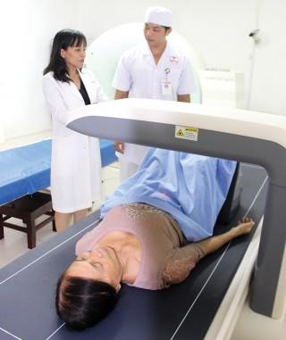 Bệnh viện Minh Đức có máy đo loãng xương theo phương pháp DXA hiện đại