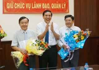 Trao quyết định bổ nhiệm lại, phân công nhiệm vụ đối với công chức