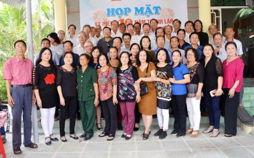 Đoàn ca múa Bến Tre kỷ niệm 40 năm
