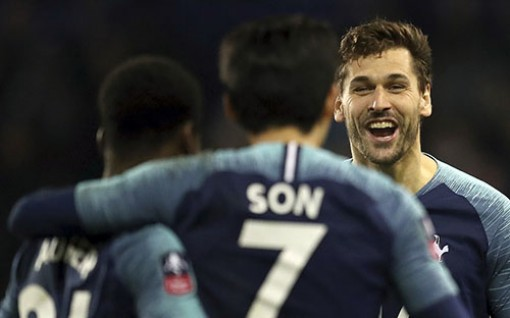 Tottenham thắng 7-0 ở vòng 3 Cup FA