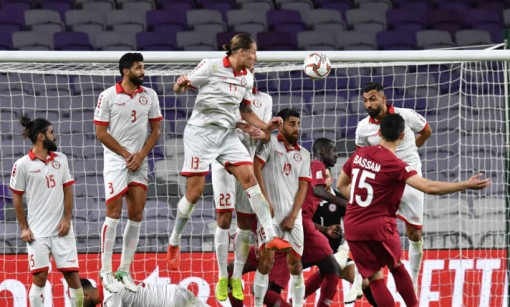 Asian Cup 2019: Uzubekistan vất vả vượt qua Oman, Qatar thắng dễ Lebanon