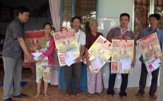 Lãnh đạo huyện Ba Tri, Bình Đại thăm dân vùng kinh tế mới