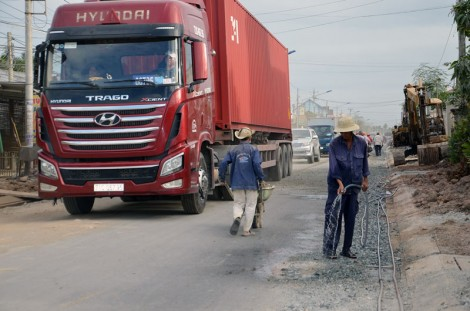 """""""Đòn bẩy"""" giao thông phát triển thương mại dịch vụ"""