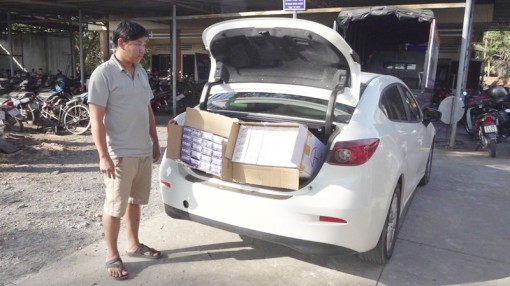 Bắt đối tượng vận chuyển 1.200 gói thuốc lá nhập lậu