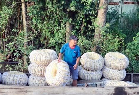 Giá giỏ cọng dừa rớt thấp