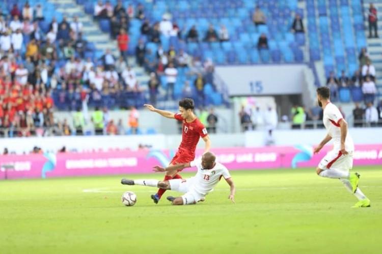 Đội tuyển Việt Nam vào tứ kết sau loạt sút luân lưu kịch tính