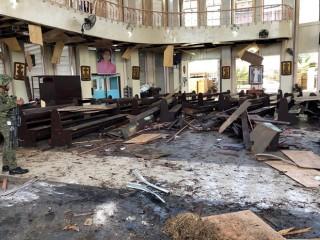 Số thương vong trong đánh bom kép ở Philippines tăng lên gần 80 người