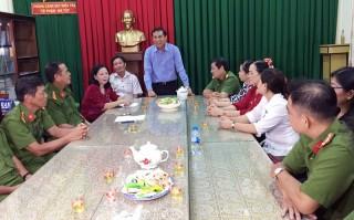 Chủ tịch UBND tỉnh Cao Văn Trọng thăm chúc Tết Công an tỉnh