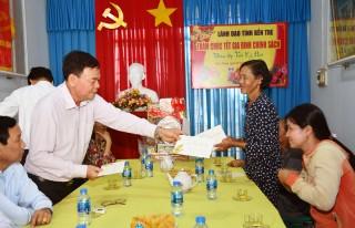 Bí thư Tỉnh ủy Võ Thành Hạo thăm, chúc Tết tại Bình Đại