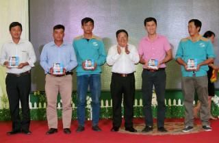 """Trung tâm kỹ thuật Viettel Bến Tre tổ chức chương trình """"Tất niên - mừng Xuân Kỷ Hợi 2019"""""""