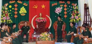 Đoàn cán bộ Tổng cục Chính trị Quân đội nhân dân Việt Nam đến thăm và chúc Tết