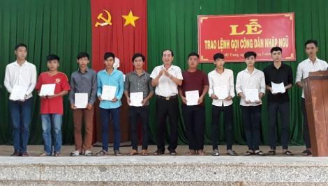 Tổ chức xong trao lệnh gọi nhập ngũ cho công dân