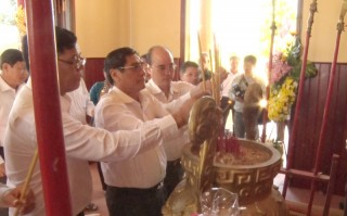 Kỷ niệm 150 năm Ngày mất và khánh thành đền thờ cụ Lê Quang Quan