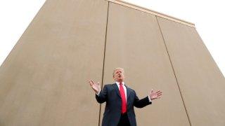 Tổng thống Mỹ Donald Trump tuyên bố tình trạng khẩn cấp quốc gia