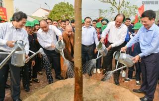 """Thủ tướng dự lễ phát động """"Tết trồng cây đời đời nhớ ơn Bác Hồ"""""""