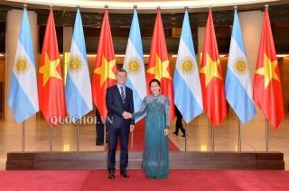 Chủ tịch Quốc hội Nguyễn Thị Kim Ngân hội kiến Tổng thống Argentina Mauricio Macri