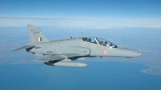 Pakistan bắn hạ 2 máy bay Ấn Độ, bắt giữ một phi công