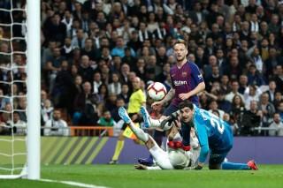 Vòng 26 La Liga: Barcelona thắng Real Madrid 1-0