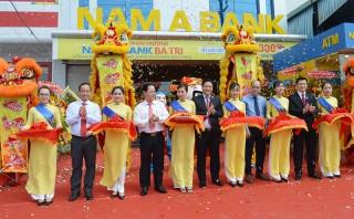 Khai trương điểm giao dịch Ngân hàng Nam Á tại huyện Ba Tri