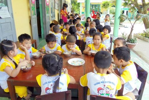 Trường Mẫu giáo Tân Phong tích cực học tập và làm theo Bác