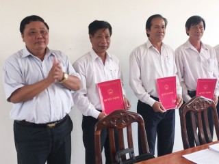 Công bố quyết định thành lập Trung tâm Văn hóa, Thể thao và Truyền thanh huyện Ba Tri