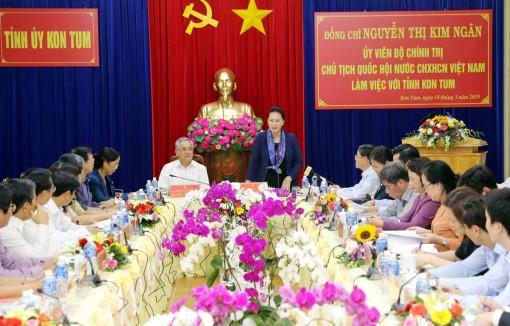Chủ tịch Quốc hội Nguyễn Thị Kim Ngân làm việc tại tỉnh Kon Tum