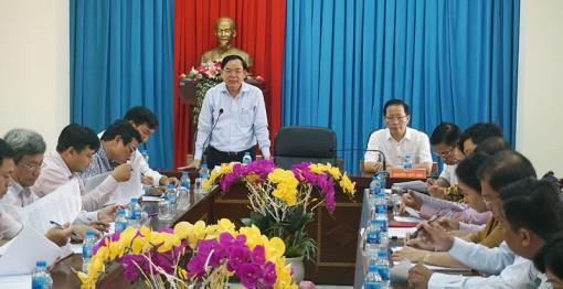 Phó bí thư Tỉnh ủy Trần Ngọc Tam làm việc với Huyện ủy Thạnh Phú