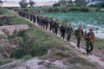 Tổ chức luyện tập chuyển trạng thái sẵn sàng chiến đấu