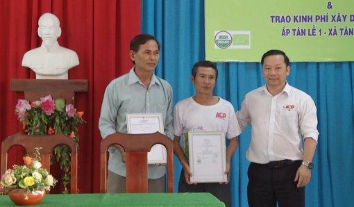 Công bố 320ha dừa hữu cơ đạt tiêu chuẩn