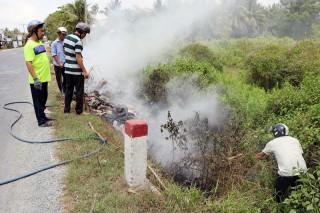 Ra quân đốt rác làm cháy lan
